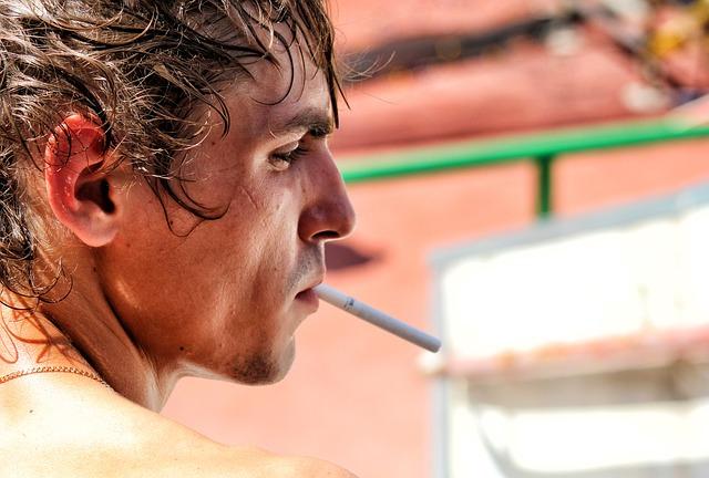 OMS: nuovo rapporto sulle tendenze globali dell'uso del tabacco